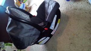 Graco infant car seat for Sale in Charlotte, NC