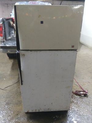 Refriderator for Sale in Oppelo, AR
