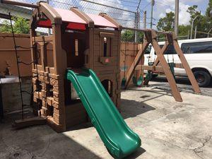 Columpio de patio o escuela, para más de 6 niños for Sale in Miami, FL