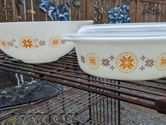 Vintage Town & Country Pyrex for Sale in Everett,  WA