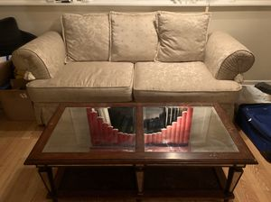 FREE Couch and Table Set for Sale in Glendale Heights, IL