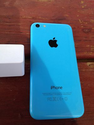 iPhone 5C - UNLOCKED - BLUE for Sale in Fresno, CA