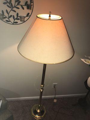 Floor Lamp with multiple bulbs. for Sale in Lilburn, GA