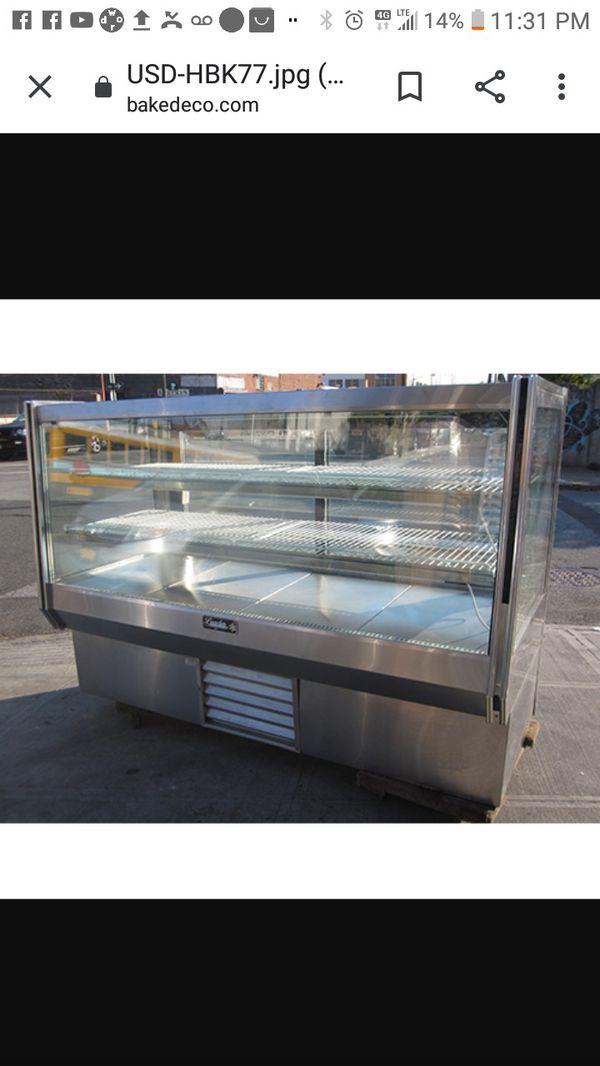 Refrigerated Deli Case
