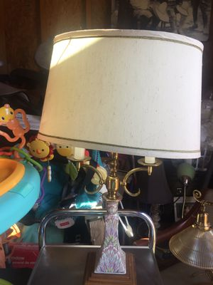 Good antiques lamp for Sale in Highland, CA