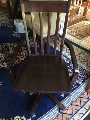 Wooden computer chair good condition $30.00 for Sale in Voorhees Township, NJ