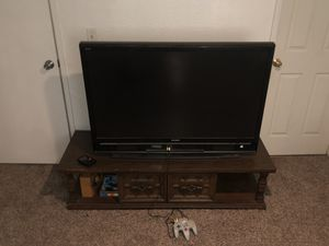 Tonight Only Vintage 70s Coffee Table / Big TV Stand for Sale in Fresno, CA