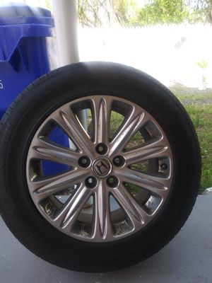 Tire for Honda odyssey for Sale in Silver Spring, MD
