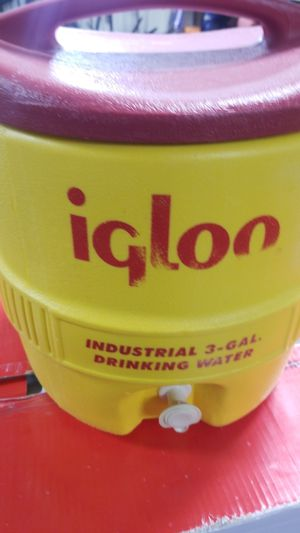 Igloo 3 gal water jug for Sale in Lakeview Heights, KY