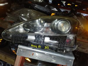 2006-2008 lexus is250 , 350 left headlight for Sale in Houston, TX