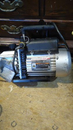 Pittsburgh 2.5 vacuum pump for AC units it will pump any kind of freon in or out for Sale in Deltona,  FL