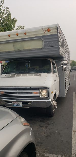 $2000 1976 MOTORHOME RV TREIRLER *FINAL OFFER, FIRST COME FIRST SERVE* for Sale in Bothell, WA