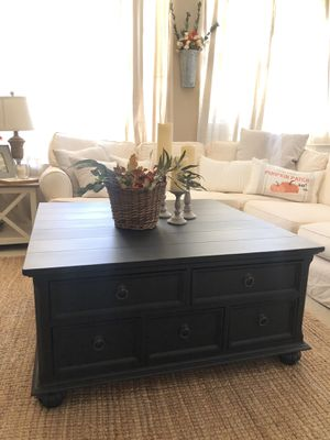 Gorgeous Pottery Barn style farmhouse coffee table for Sale in Stockton, CA
