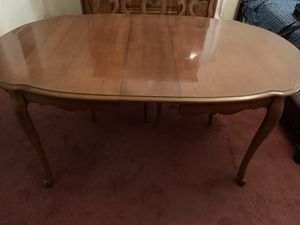 Dining room table and chairs for Sale in Pittsburgh, PA