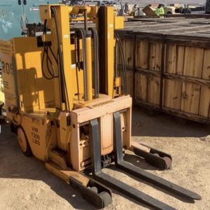 Raymond 40 Electric Forklift for Sale in Hawthorne, CA