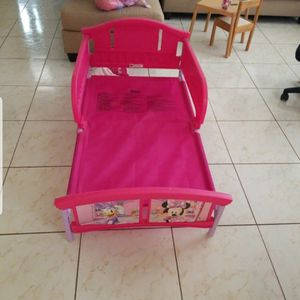 Minnie Mouse Toddler Bedframe for Sale in Phoenix, AZ