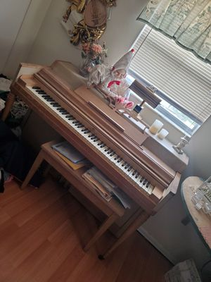 Vintage Upright Piano with Bench for Sale in Pinellas Park, FL