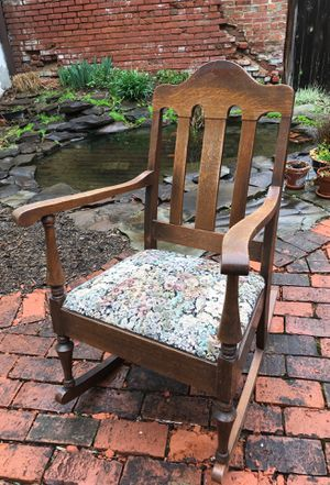 Wooden Rocking Chair for Sale in Cleveland, OH