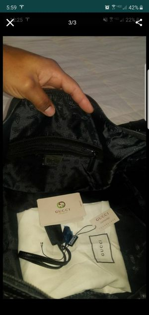 Giving away Gucci Signature Duffle Bag for Sale in Long Beach, CA