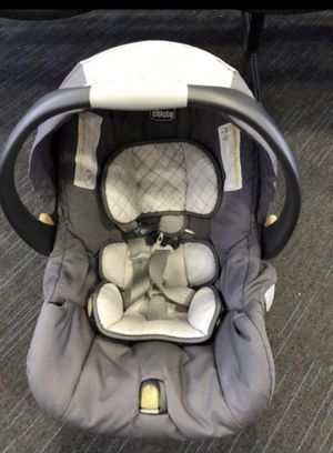 Chicco car seat for Sale in Lockport, IL