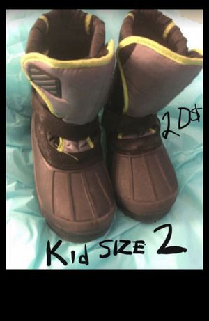 Boys or girls snow boots size 2 for Sale in Los Angeles, CA