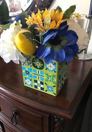 Pier1 flowers in vase for Sale in Phoenix, AZ