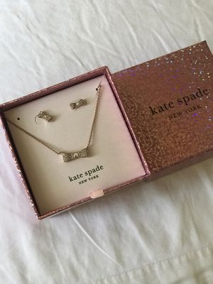 Kate spade bow earring and necklace set for Sale in La Habra Heights, CA