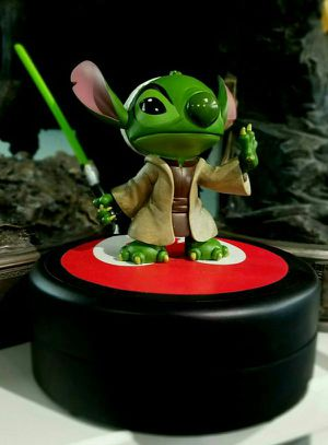 Disney Star Wars Stitch As Yoda Statue Maquette Sideshow for Sale in Pico Rivera, CA