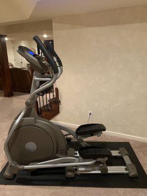 Spirit Fitness XE295 Elliptical for Sale in Overland Park, KS