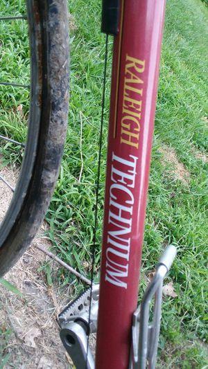 Raleigh Technium 420 aluminum road bike for Sale in Alton, IL