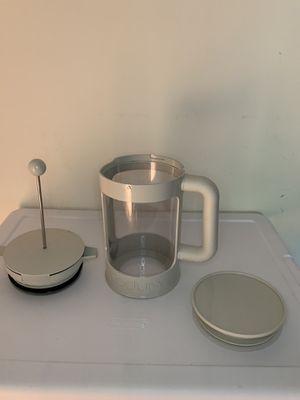 Bodum Bean Cold Brew Coffee Maker 12 cup/ 51 oz -White for Sale in Alexandria, VA