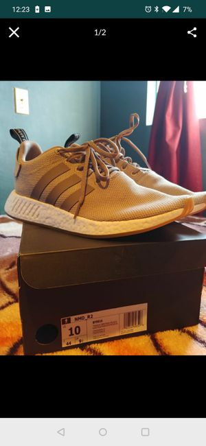 Khaki Adidas NMD R2 for Sale in Los Angeles, CA