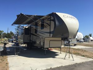Fifth wheel camper for Sale in Coal City, IL