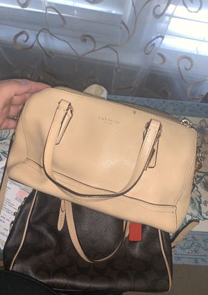 Coach crossbody for Sale in Forest Park, GA