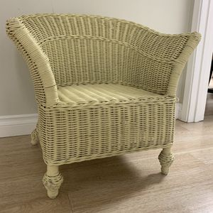 Vintage Child Sized Wicker Chair 🧸✨ for Sale in Seattle, WA