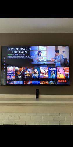 65 Vizio 4K (2160P) Smart HDR10 XLED TV (E65-E3) for Sale in Spanaway,  WA