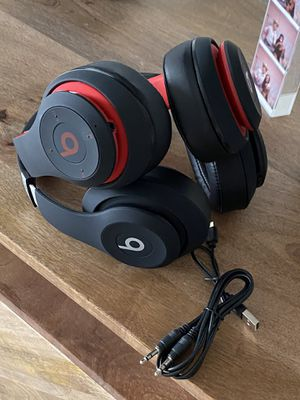 Beats headphones studio 3 for Sale in Los Angeles, CA