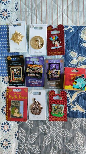 Walt Disney pin set collection 10 total for Sale in Queens, NY