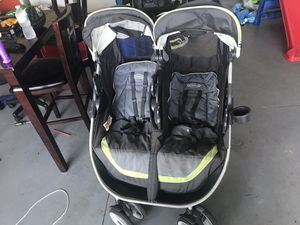 Graco snap and go double side by side for Sale in Kissimmee, FL