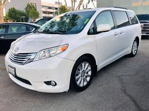 2012 Toyota Sienna for Sale in Lawndale, CA