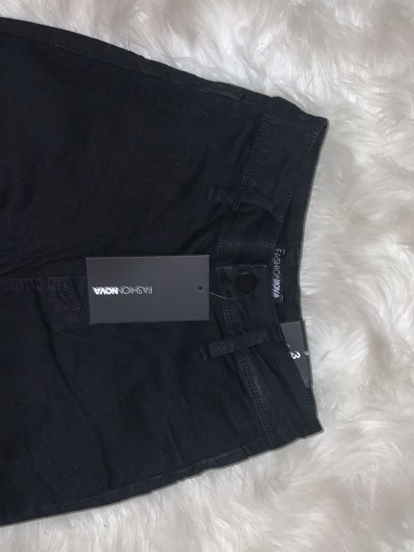 FASHIONNOVA JEANS with Tags