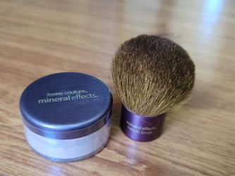 Femme Couture Loose Powder With Brush for Sale in Fairfield,  CA