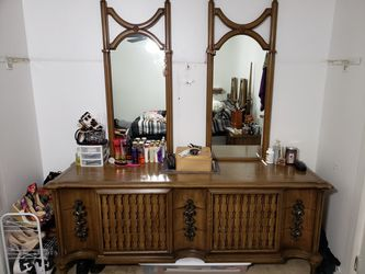 Gothic style antique furniture set for Sale in Brunswick,  OH