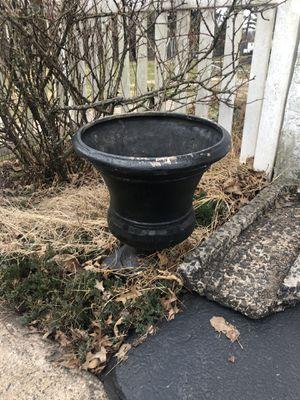 2 Outdoor flower pots for Sale in Hatfield, PA