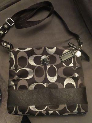 COACH CROSSBODY for Sale in St. Clair Shores, MI