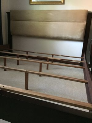 KING SIZE BED FRAME, LIKE NEW $300 for Sale in Marietta, GA
