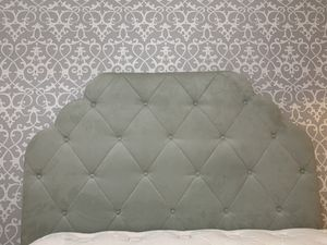 Pier one imports bedroom set!!! for Sale in Houston, TX