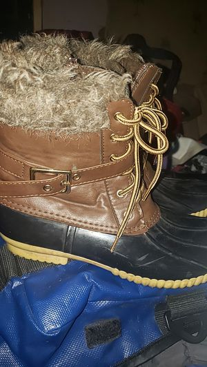 Womens water proof boots. for Sale in Brooksville, FL