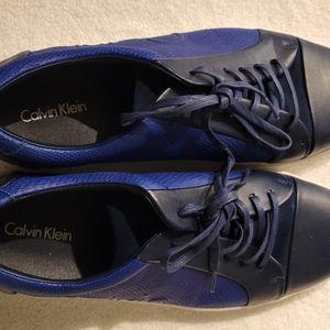 Calvin KLEIN SNEAKERS for Sale in Los Gatos, CA