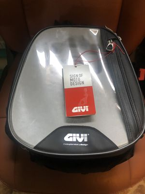 Motorcycle new tank bag Givi touring adventure Ktm Bmw GS Honda Yamaha Suzuki Triumph Motorrad Africa twin dual sport for Sale in Las Vegas, NV